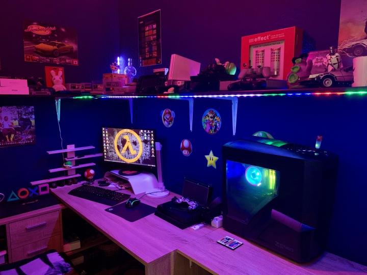 Show_Your_PC_Desk_Part205_95.jpg