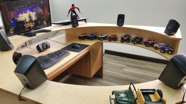 Show_Your_PC_Desk_Part206_02.jpg