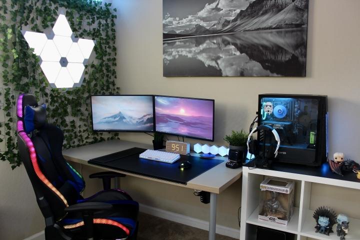 Show_Your_PC_Desk_Part206_03.jpg