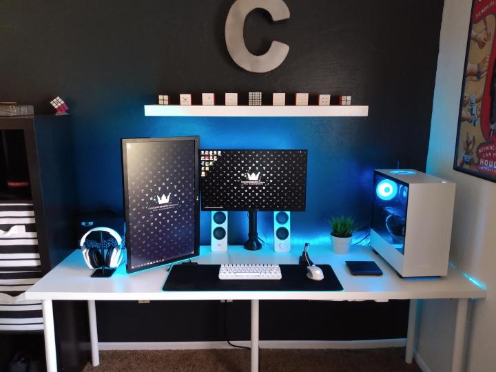 Show_Your_PC_Desk_Part206_04.jpg