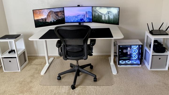 Show_Your_PC_Desk_Part206_08.jpg