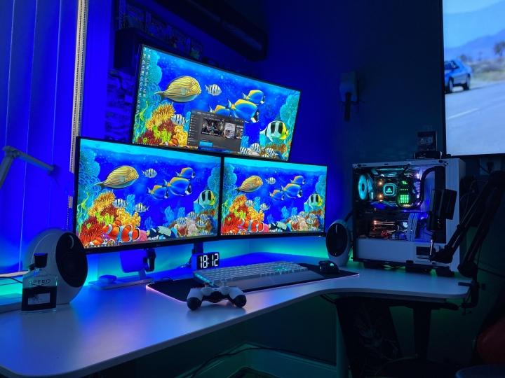 Show_Your_PC_Desk_Part206_11.jpg