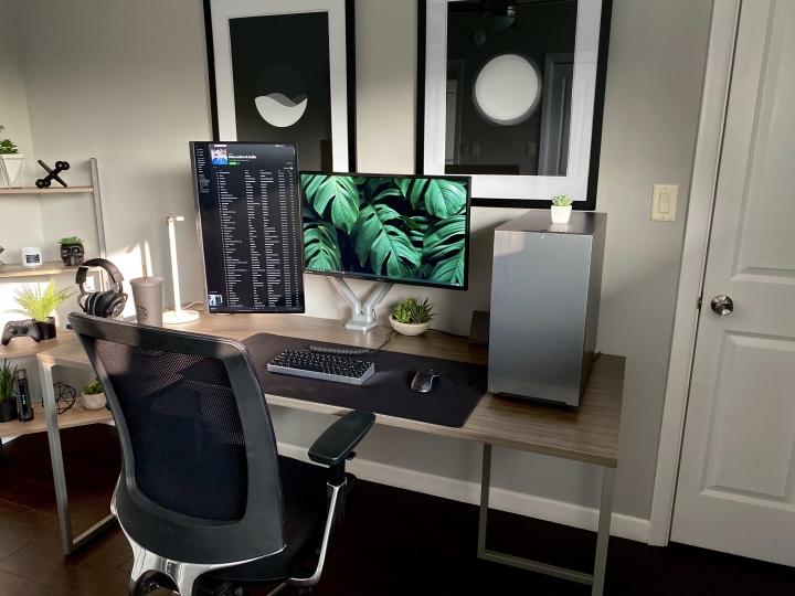Show_Your_PC_Desk_Part206_14.jpg