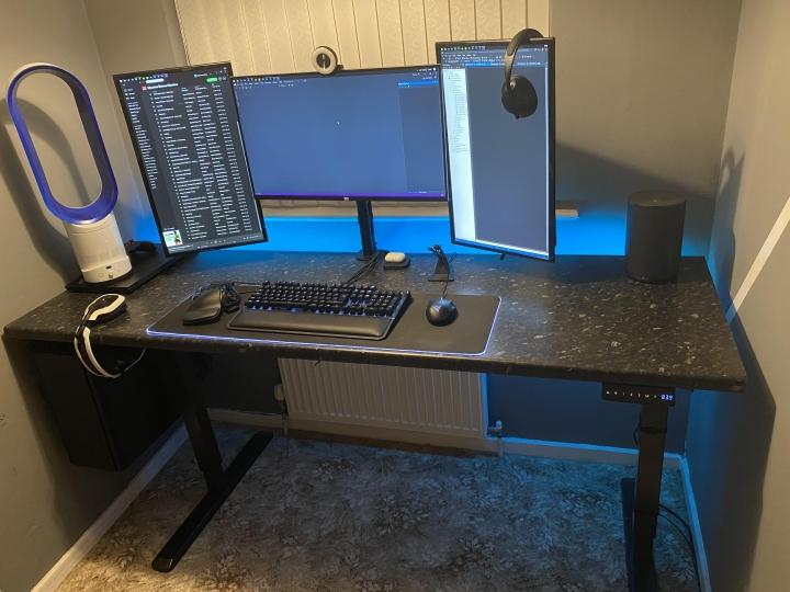Show_Your_PC_Desk_Part206_24.jpg