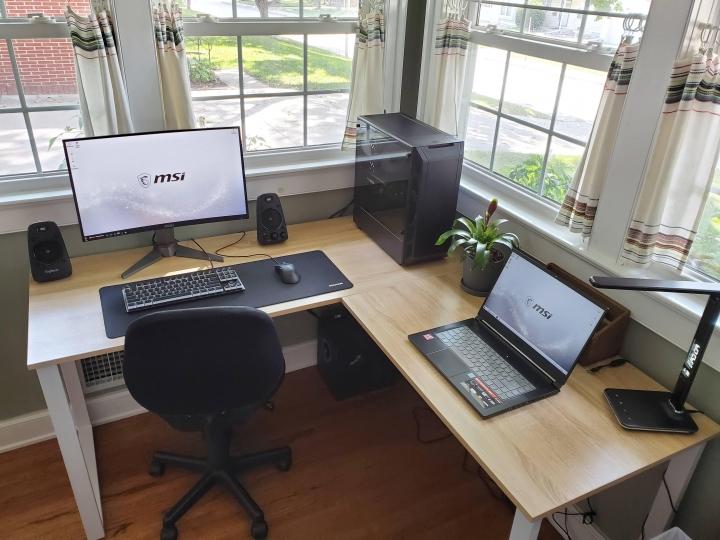 Show_Your_PC_Desk_Part206_26.jpg