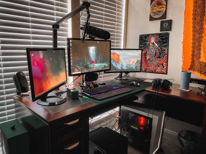 Show_Your_PC_Desk_Part206_50.jpg