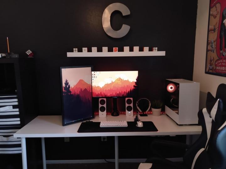 Show_Your_PC_Desk_Part206_81.jpg