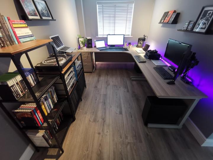 Show_Your_PC_Desk_Part206_83.jpg