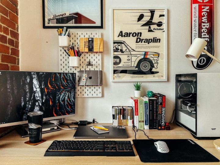 Show_Your_PC_Desk_Part206_89b.jpg