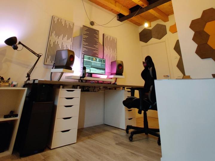 Show_Your_PC_Desk_Part206_95.jpg