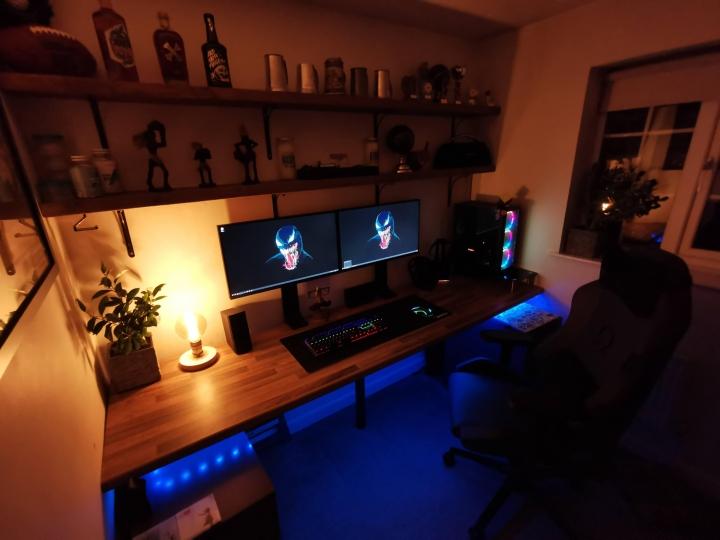 Show_Your_PC_Desk_Part206_98.jpg