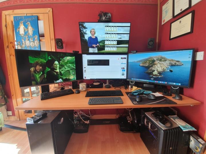 Show_Your_PC_Desk_Part206_99.jpg