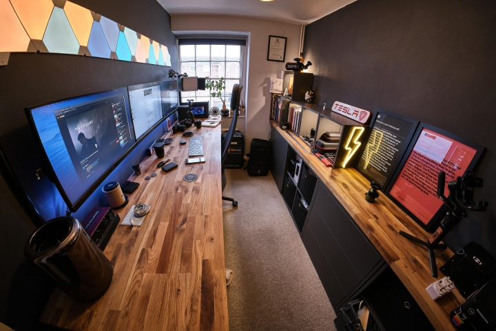 Show_Your_PC_Desk_Part207_01.jpg