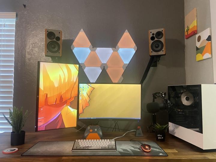 Show_Your_PC_Desk_Part207_11.jpg