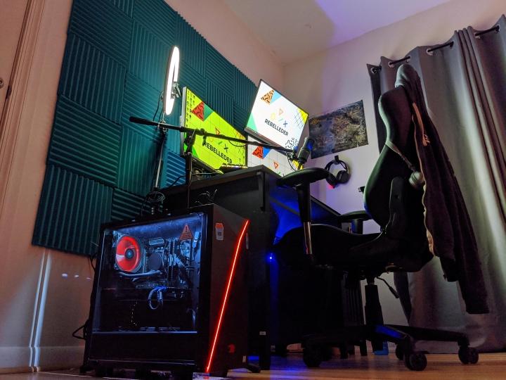 Show_Your_PC_Desk_Part207_17.jpg