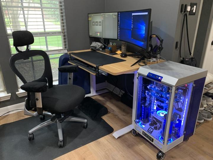 Show_Your_PC_Desk_Part207_24.jpg