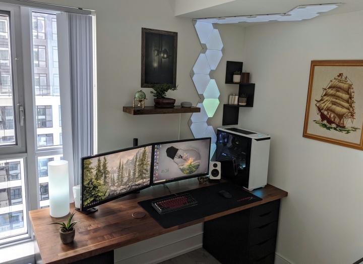 Show_Your_PC_Desk_Part207_25.jpg