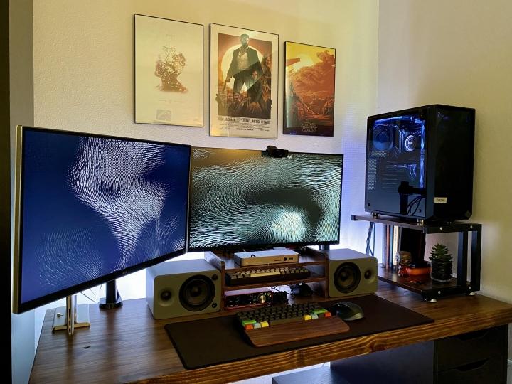 Show_Your_PC_Desk_Part207_32.jpg