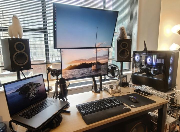 Show_Your_PC_Desk_Part207_33.jpg
