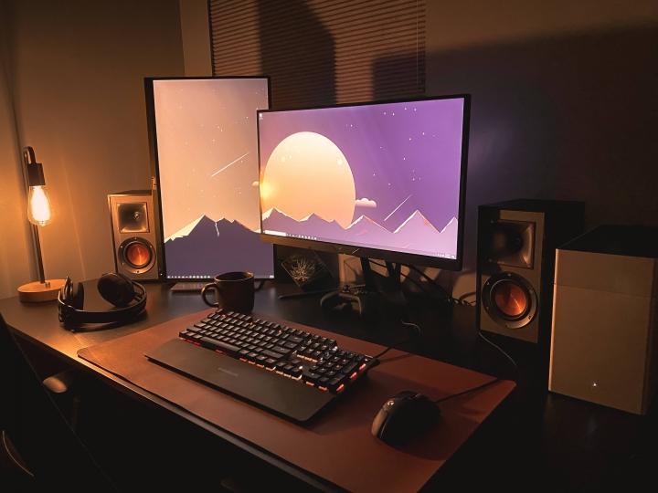 Show_Your_PC_Desk_Part207_34.jpg
