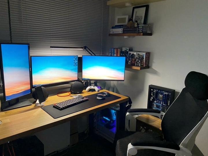 Show_Your_PC_Desk_Part207_38.jpg
