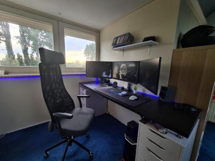 Show_Your_PC_Desk_Part207_43.jpg
