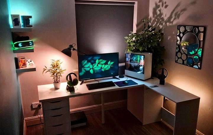 Show_Your_PC_Desk_Part207_44.jpg