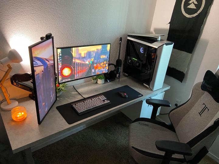 Show_Your_PC_Desk_Part207_52.jpg