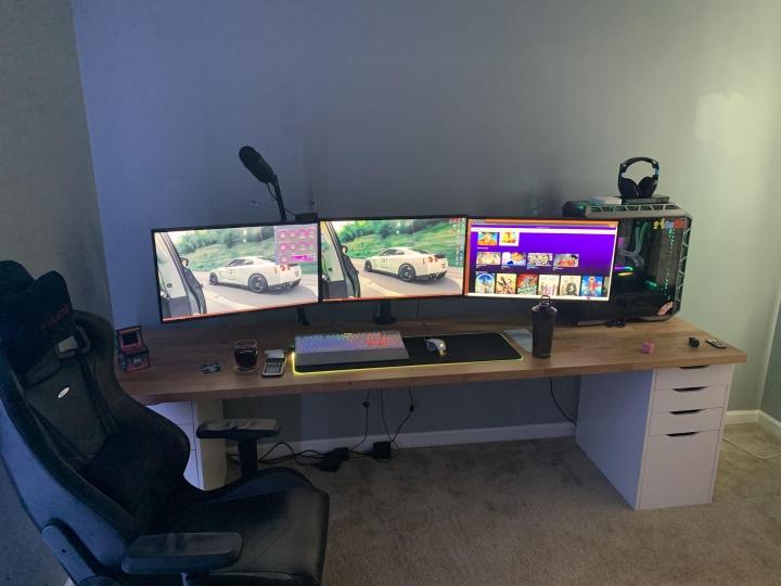 Show_Your_PC_Desk_Part207_59.jpg