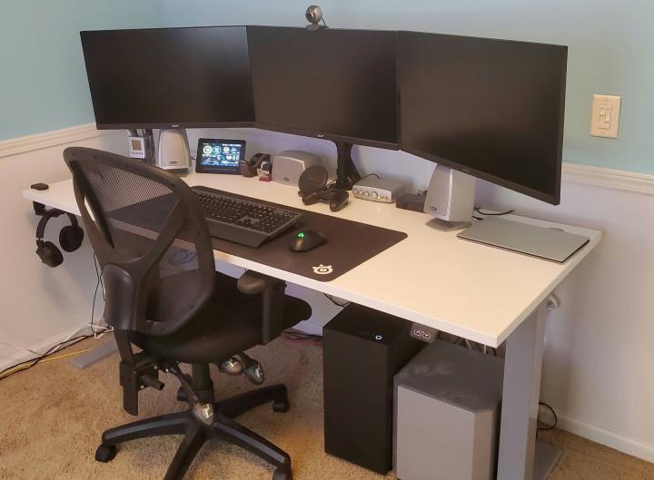 Show_Your_PC_Desk_Part207_63.jpg