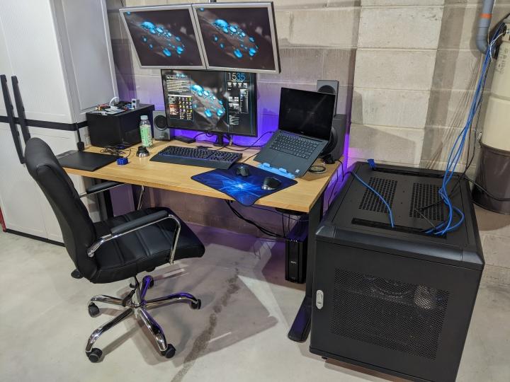 Show_Your_PC_Desk_Part207_66.jpg