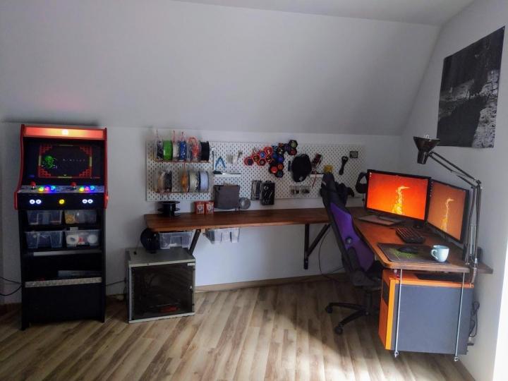 Show_Your_PC_Desk_Part207_71.jpg