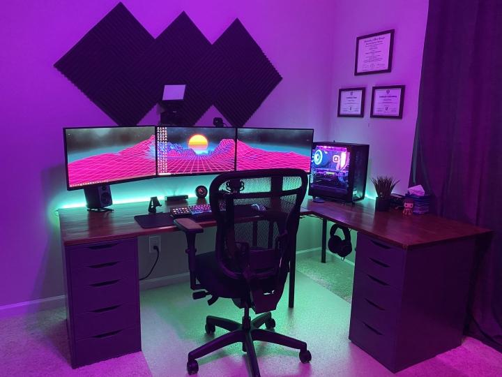 Show_Your_PC_Desk_Part207_96.jpg