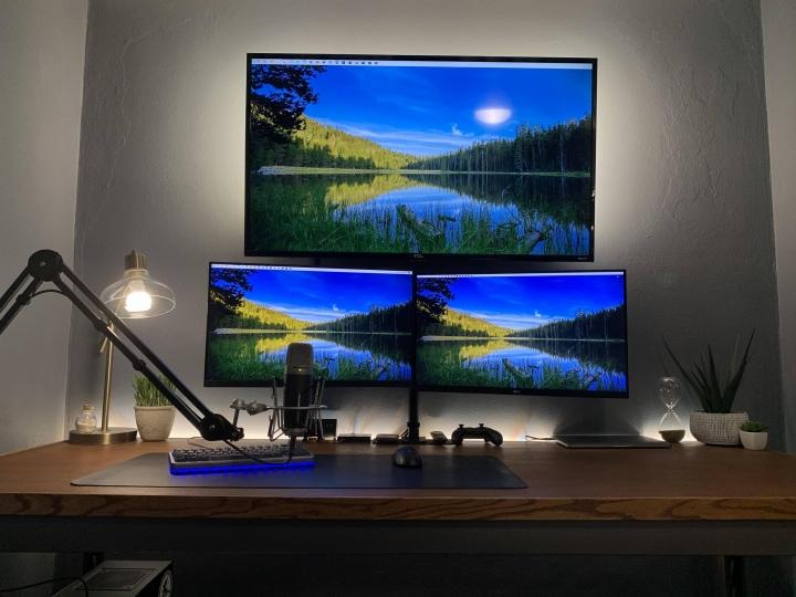 Show_Your_PC_Desk_Part207_98.jpg