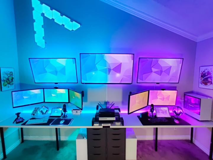Show_Your_PC_Desk_Part208_07.jpg