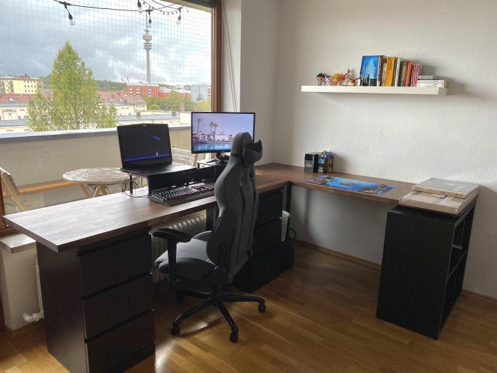 Show_Your_PC_Desk_Part208_100.jpg