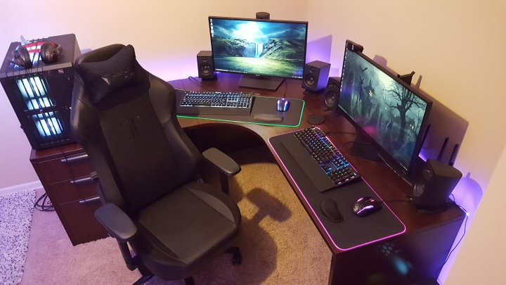 Show_Your_PC_Desk_Part208_14.jpg