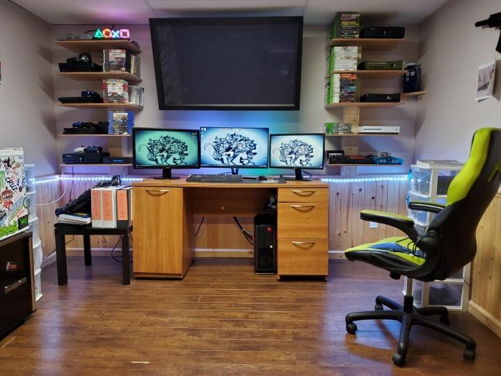 Show_Your_PC_Desk_Part208_20.jpg