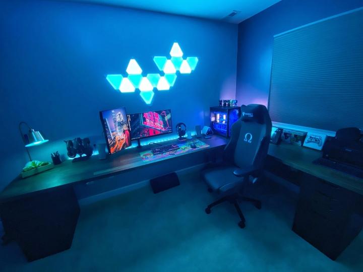 Show_Your_PC_Desk_Part208_22.jpg