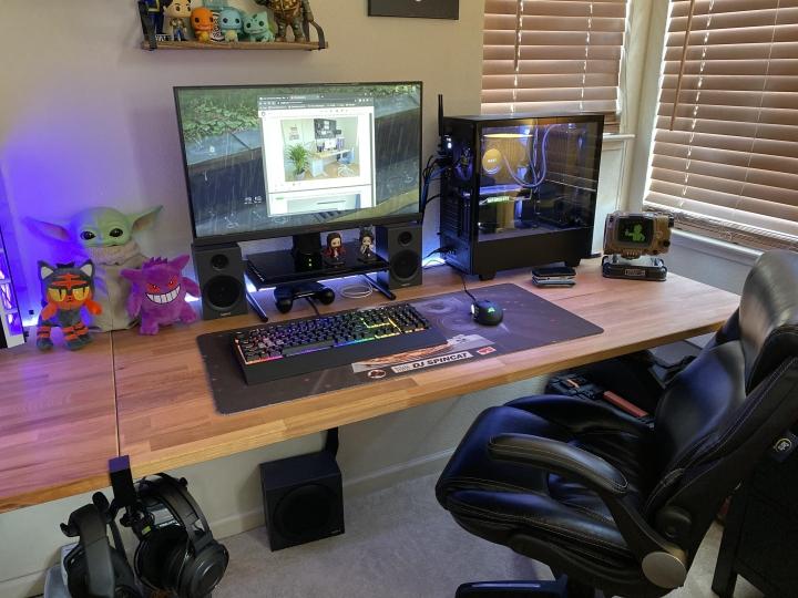 Show_Your_PC_Desk_Part208_23.jpg