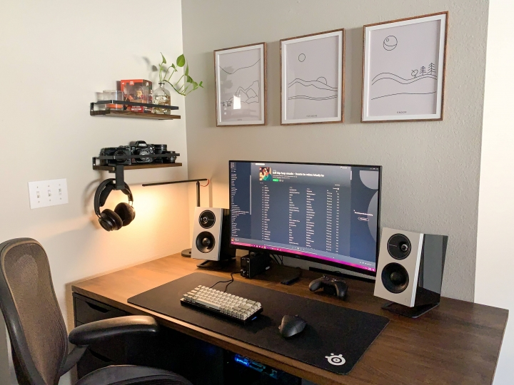Show_Your_PC_Desk_Part208_24.jpg