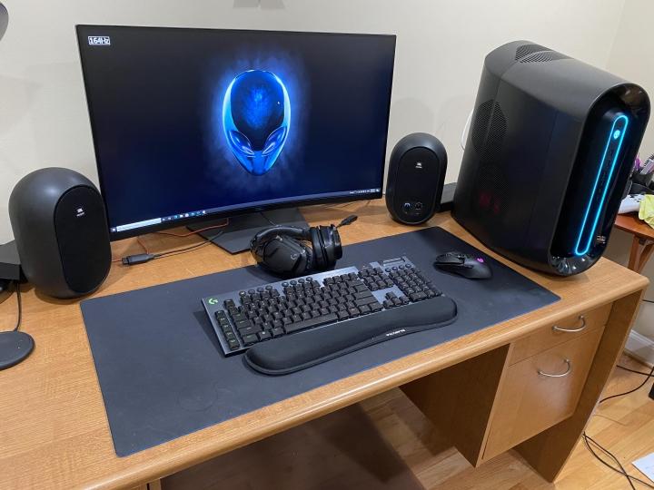 Show_Your_PC_Desk_Part208_33.jpg
