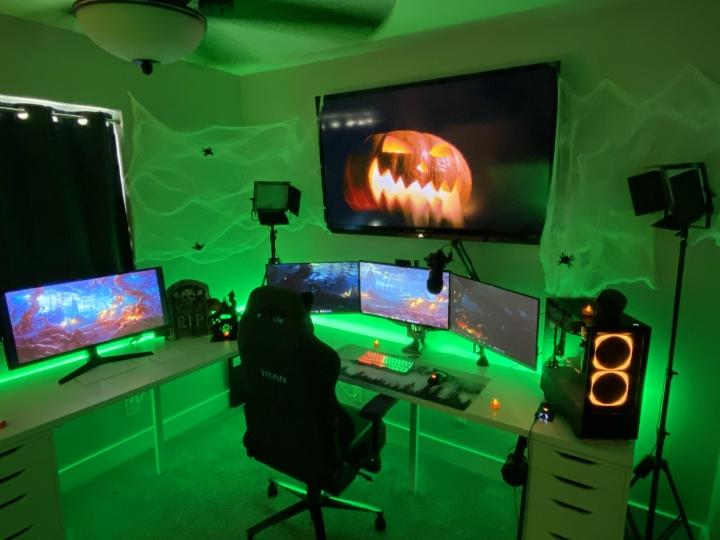 Show_Your_PC_Desk_Part208_37.jpg