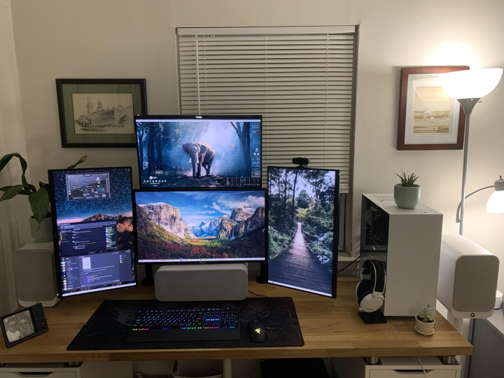 Show_Your_PC_Desk_Part208_39.jpg