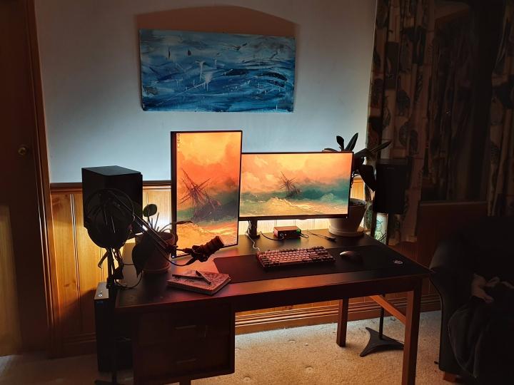 Show_Your_PC_Desk_Part208_41.jpg