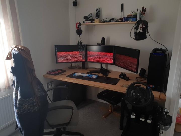 Show_Your_PC_Desk_Part208_49.jpg
