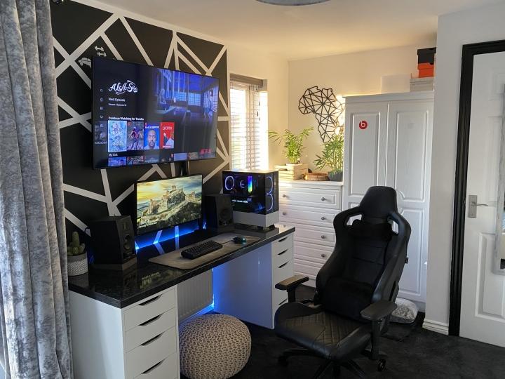 Show_Your_PC_Desk_Part208_50.jpg