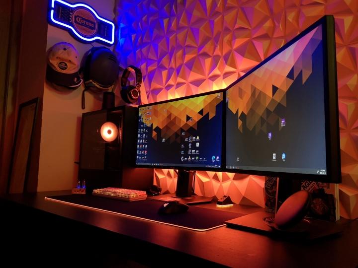 Show_Your_PC_Desk_Part208_60.jpg
