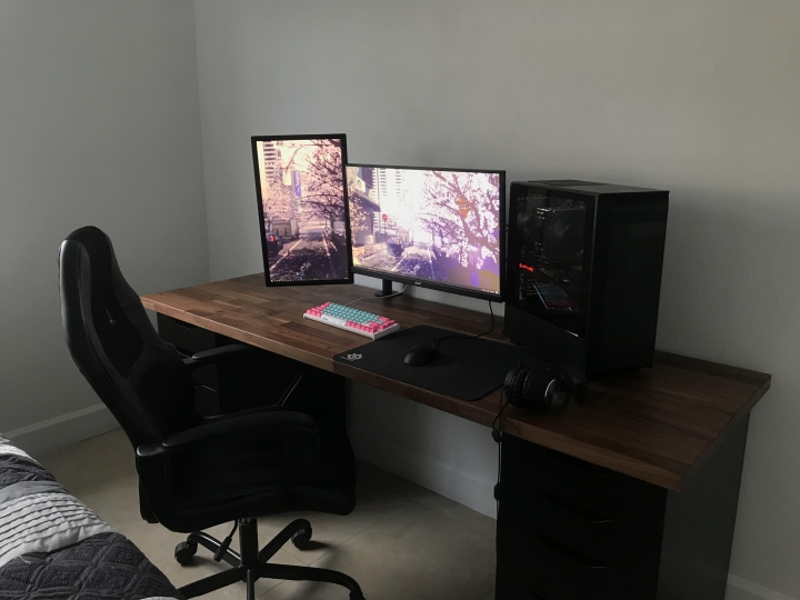 Show_Your_PC_Desk_Part208_72.jpg