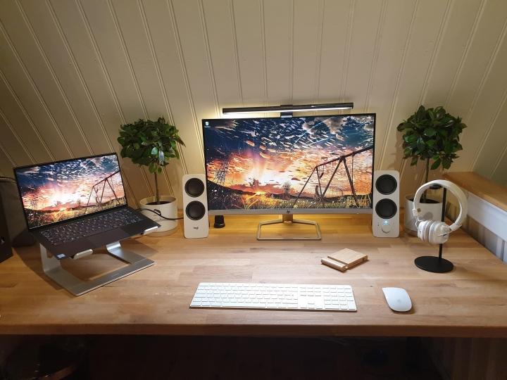 Show_Your_PC_Desk_Part208_74.jpg